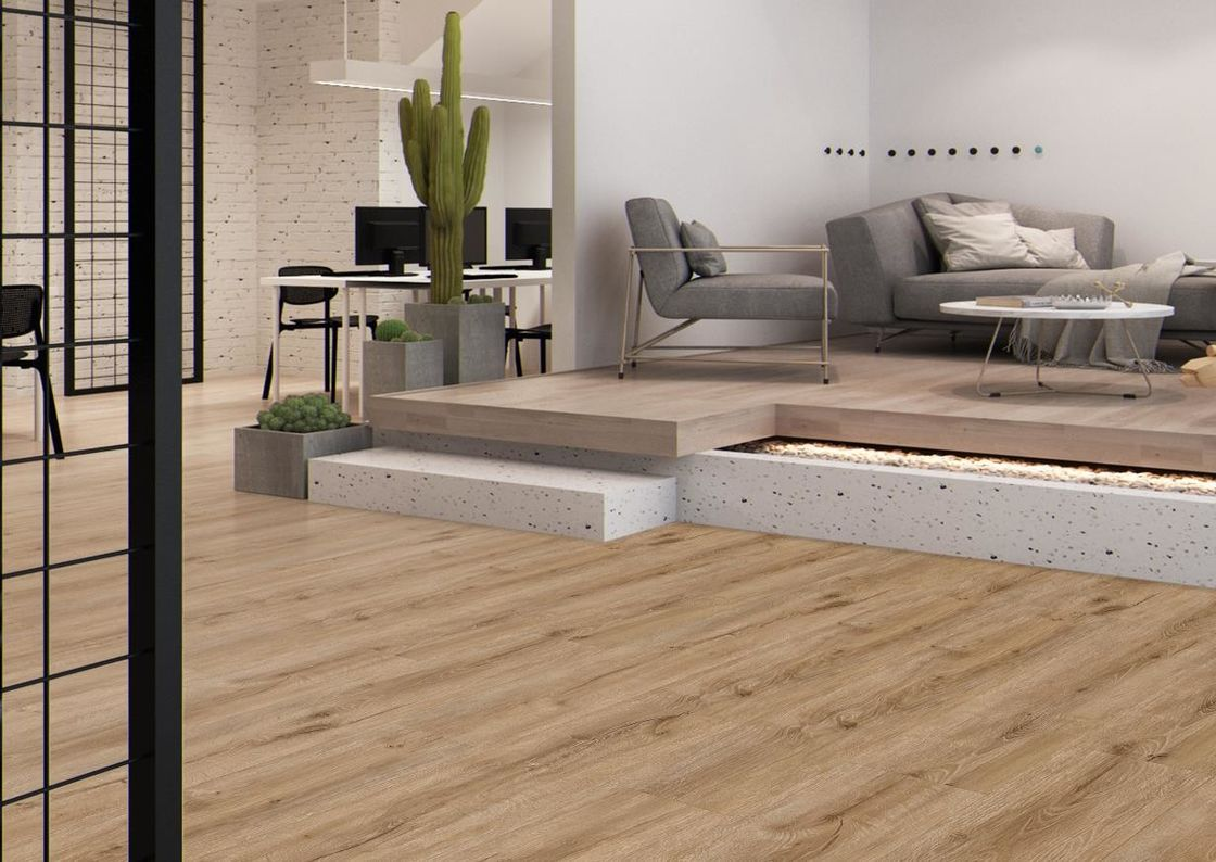 Slip Resistance LVT Plank Flooring Sound Absorption With Good Foot Feels