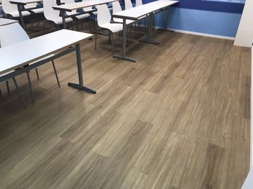 Easy installation wood look cost effective PVC vinyl plank flooring water proof/anti-scratch with wear layer protection